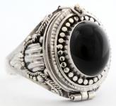 Mittelalter Giftring ~ AURELIA ~ h: 2.1 cm - Onyx-Schatz - Gothic-Ring - Handarbeit aus Silber - Windalf.de