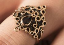 Ring ~ MILENA ~ Schwarzer Onyx - Gothic - Bronze - Windalf.de