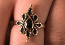 Ring ~ NAIRNE ~ Onyx - Mittelalter - Bronze - Windalf.de