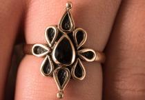 Damen Ring ~ NAIRNE ~ Onyx - Mittelalter - Bronze - Windalf.de