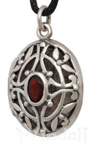 silberanh nger medieval medaillon mit rotem stein anh nger medaillon windalf. Black Bedroom Furniture Sets. Home Design Ideas