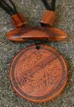Holzkette ~ TRISKELE ~ mit keltischen Knoten - Windalf.de