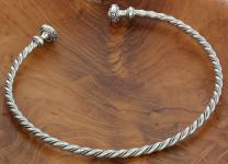 Keltischer Halsreif ~ BOUDICCA ~ Ø 12.2 cm - Frauen Torques - Mittelalter-Schmuck - Handarbeit aus Silber - Windalf.de