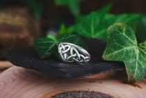 Freundschafts Damen Ring ~ NARIYA ~ h: 0.8 cm - Keltischer Liebesknoten - Silber - Windalf.de