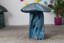 Hobbit Deko Pilz~ FINO ~ h: 53 cm - Blaues Schwammerl - Handgearbeitetes Unikat aus robustem Wurzel-Holz - Windalf.de