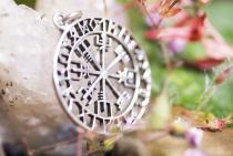 Großer Wikinger Anhänger ~ ODINSØN ~ Ø 3.6 cm - Vegvísir Amulett -  Vintage Silber - Windalf.de