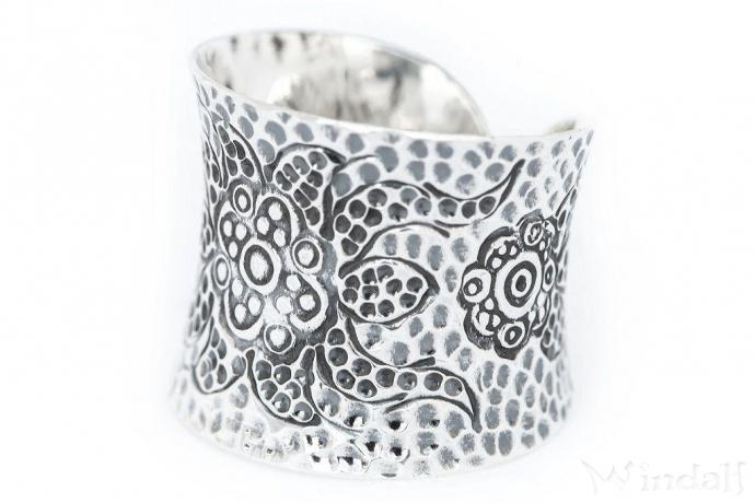 Breiter Wikinger Frauen Ring ~ LOUNA ~ Statement Ring - Silber - Windalf.de
