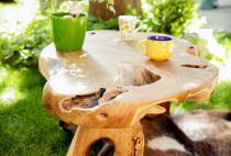 Massiver Couchtisch ~ MIREILLE ~ b: 111 cm - Wohnzimmertisch - Gartentisch - Handarbeit aus Teak - Windalf.de