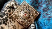 Große Mittelalter Brosche & Schmuck Anhänger ~ ÁINE ~ h: 6 cm - Bohemia Silberbrosche mit rotem Stein - Vintage Silber - Windalf.de